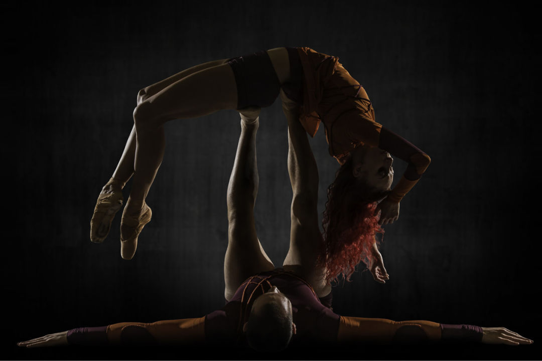 Mono Lisa by Les Ballets Jazz de Montréal (BJM). Dancers: Céline Cassone & Mark Francis Caserta. Photo: Alan Khol