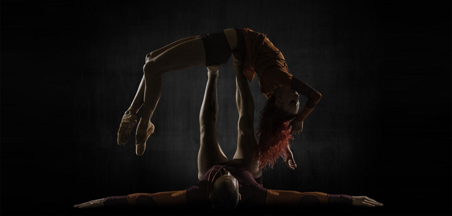 Mono Lisa by Les Ballets Jazz de Montréal (BJM). Dancers: Céline Cassone & Mark Francis Caserta. Photo: Alan Khol