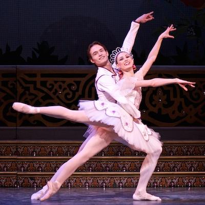 The Nutcracker by Alberta Ballet. Dancers: Colby Parsons & Alison Dubsky. Photo: Paul McGrath