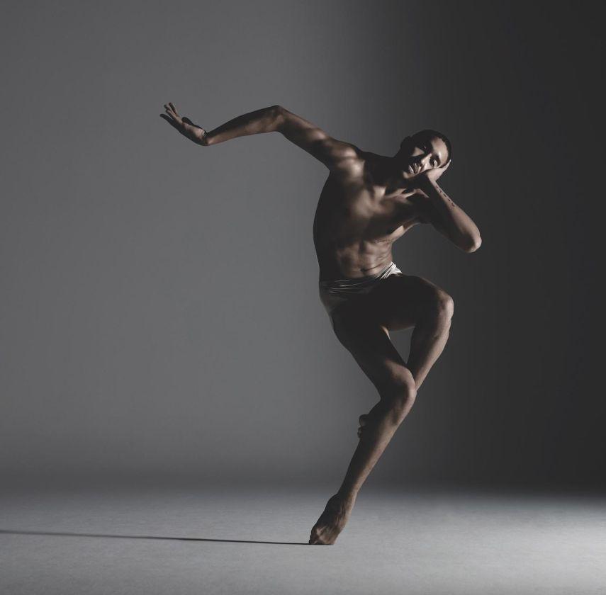 Alonzo King LINES Ballet. Dancer: Shuaib Elhassan. Photo: RJ Muna