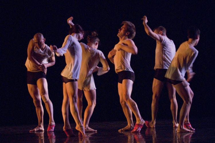 Unbound by Wen Wei Dance. Photo: Donald Lee
