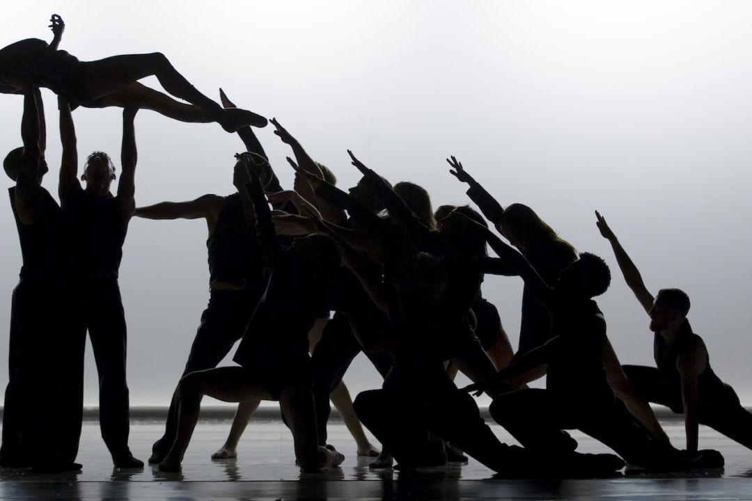 Dance Me by Les Ballets Jazz de Montréal (BJM). Photo: Thierry du Bois / Cosmos Image