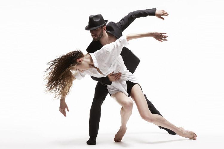 Dance Me by Les Ballets Jazz de Montréal (BJM). Photo: Marc Montplaisir