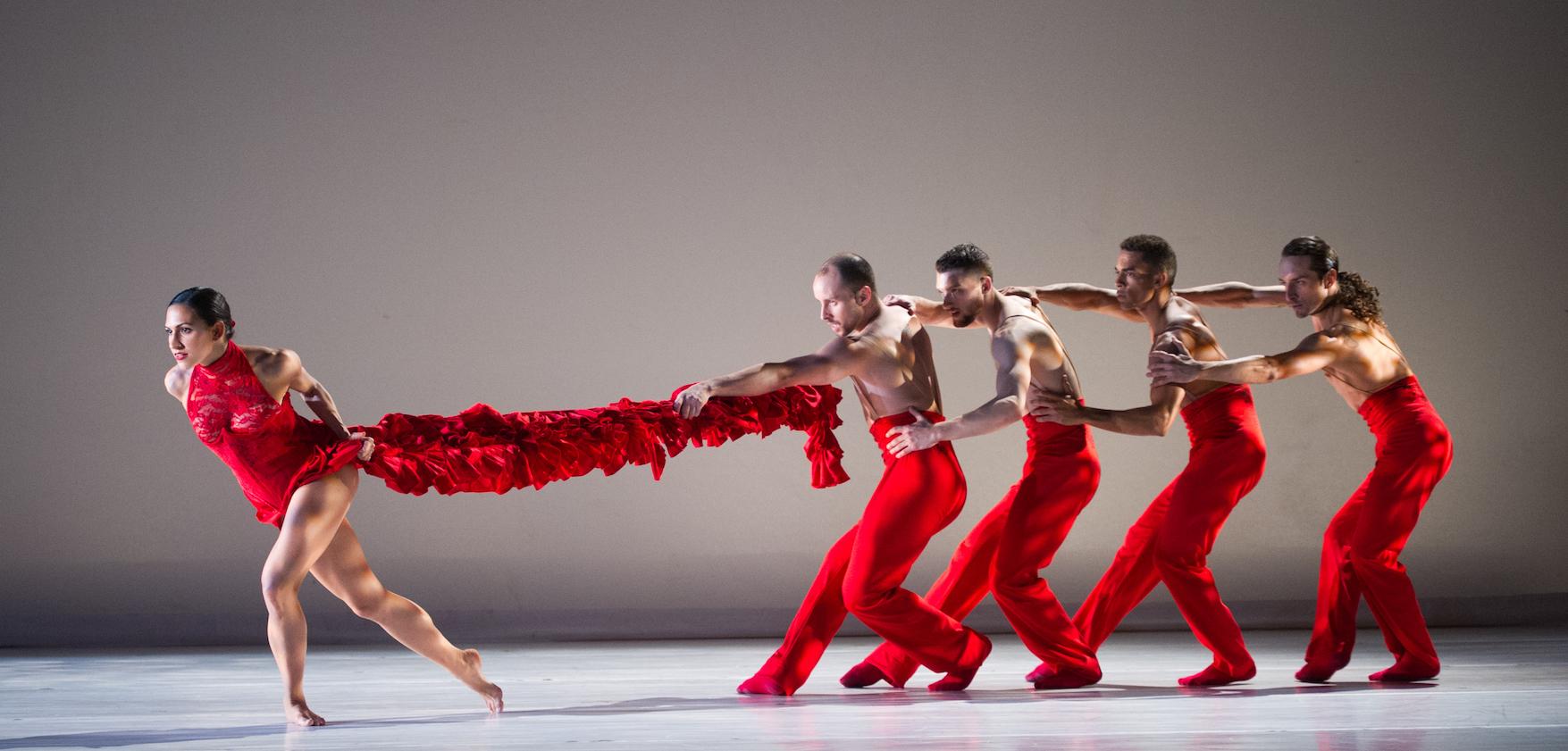 Linea Recta by Ballet Hispánico. Photo: Paula Lobo