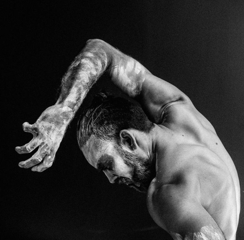 MAN by Sølvi Edvardsen. Dancer: Sudesh Adhana. Photo: Trine Kim Designstudio.