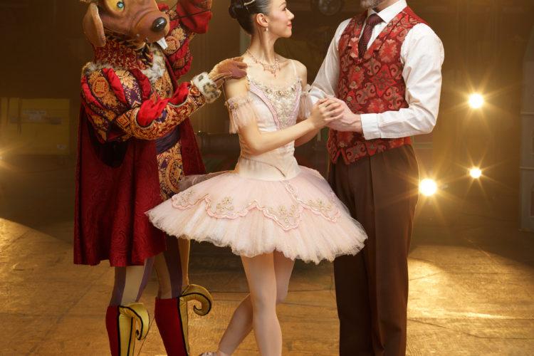 Nutcracker by Royal Winnipeg Ballet. Dancers: Yosuke Mino, Chenxin Liu, Liam Caines. Photo: David Cooper