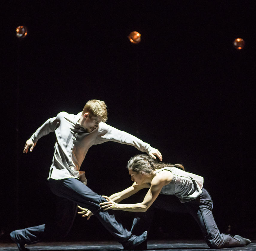 Hubbard Street Dance Chicago dancers Jacqueline Burnett and Elliot Hammans in A Picture of you Falling. Photo: Todd Rosenberg