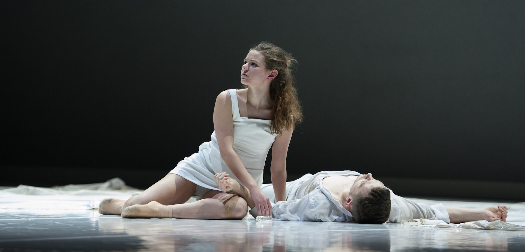 Romeo & Juliet by Ballet BC. Dancers: Emily Chessa & Brandon Alley. Photo: Cindi Wicklund